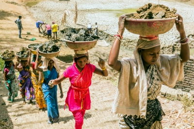 Women working in India. Photo by Peter Paul Ekka, 2016 CGAP Photo Contest.